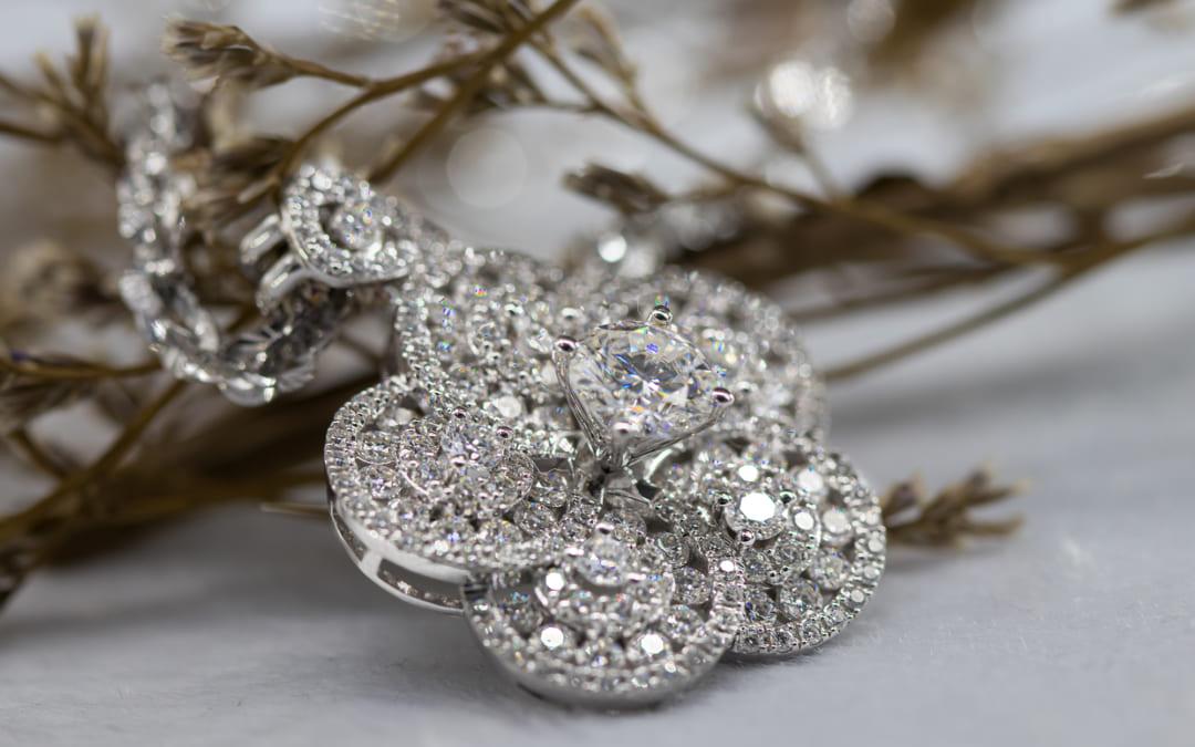 Dây chuyền kim cương giá bao nhiêu?