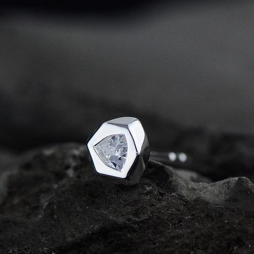 Bông tai kim cương cho nam